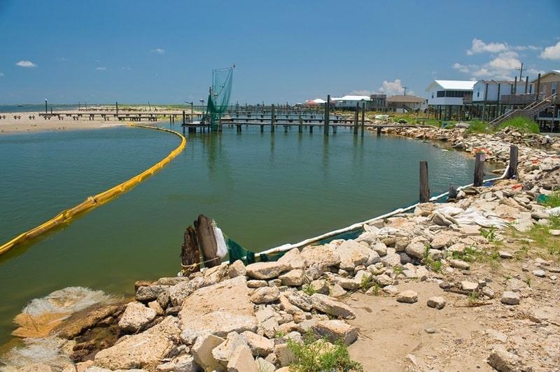 pencemaran minyak di Manyar